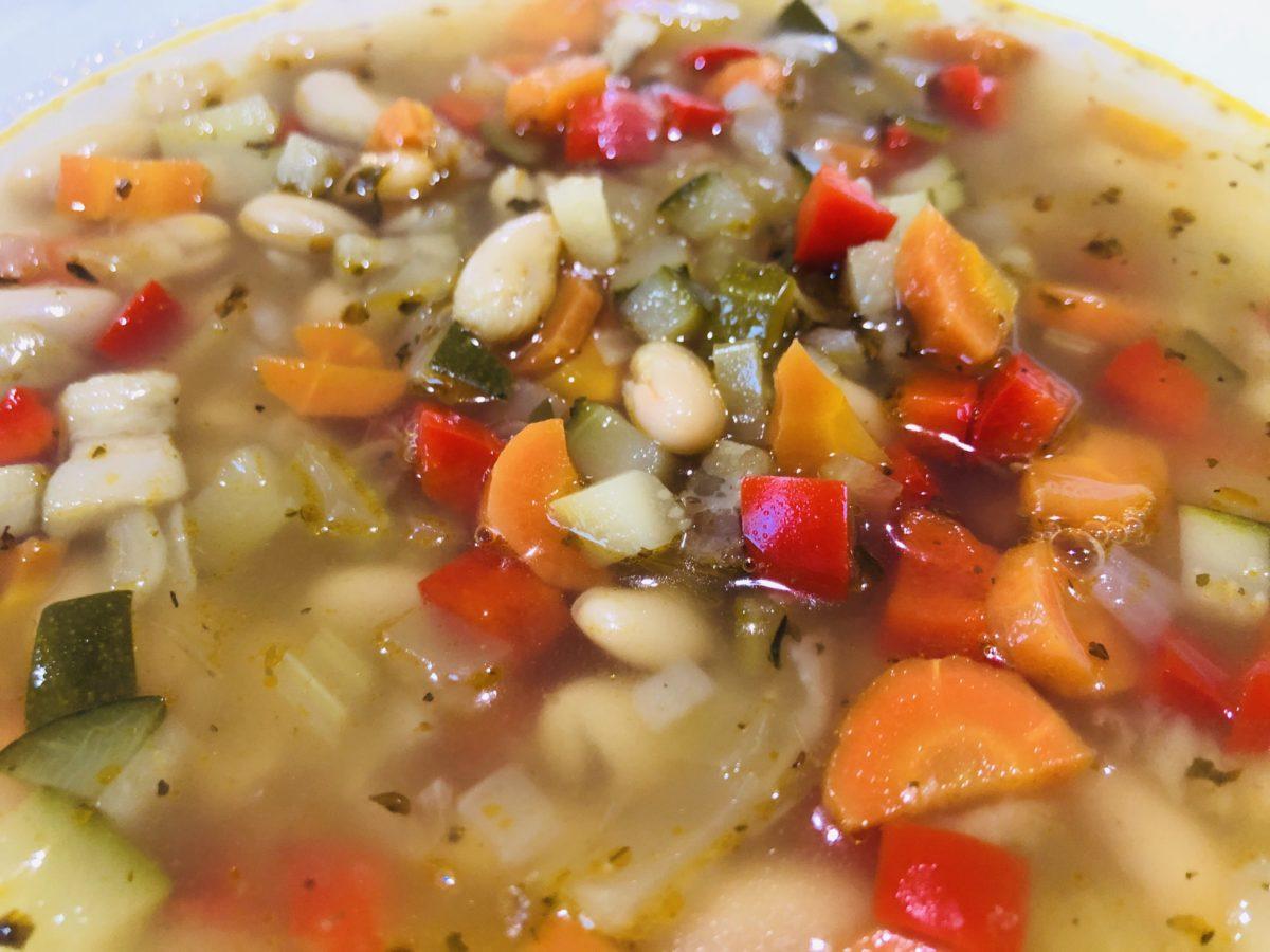 インゲン豆と野菜のスープ