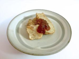 素揚げ菊芋(Topinambur)に田楽味噌をつけて
